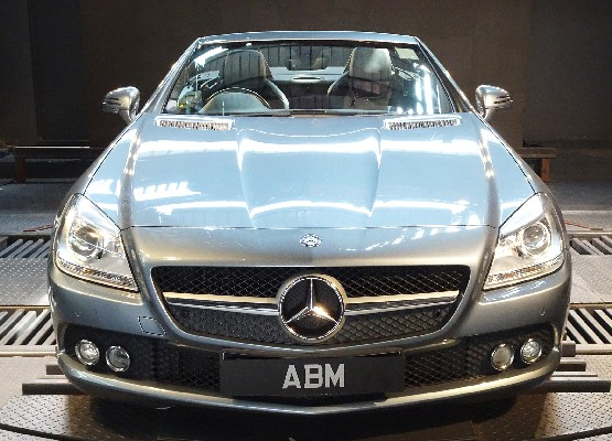 [SOLD] 2011 MERCEDES BENZ SLK 200